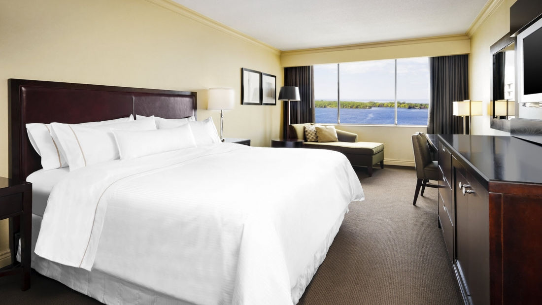 SPG Hot Escapes The Westin Harbour Castle